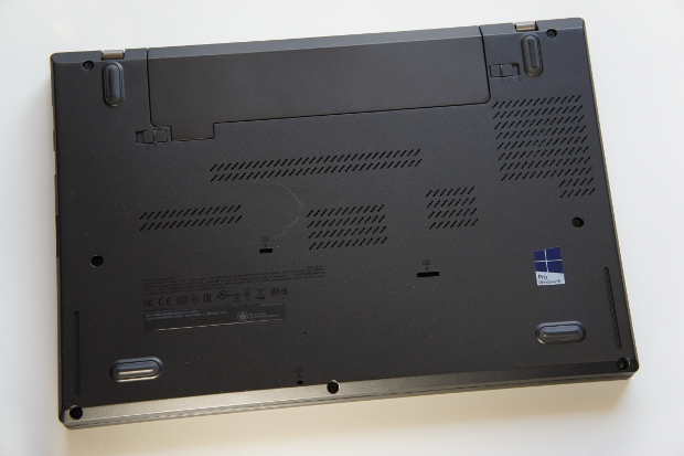 ThinkPad T440s の底面
