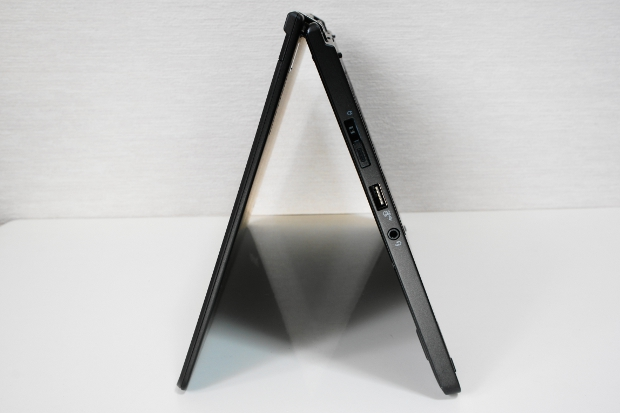 テントモード(側面から撮影)