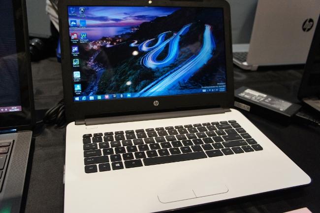 HP 14-ac000(ホワイトシルバー)