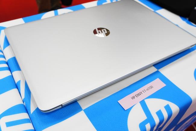 HP ENVY 17-n100 トップカバー