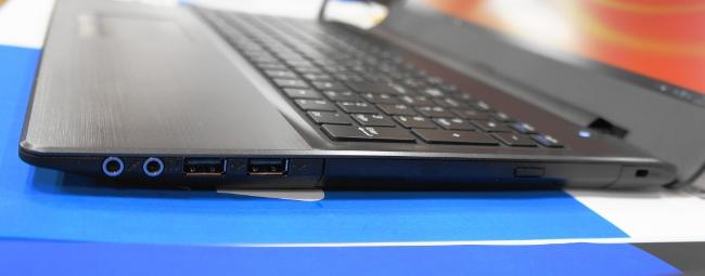 LB-F571X-SSD2 本体右側のインターフェース