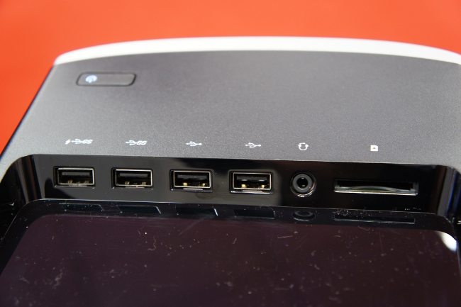 HP ENVY 750-180jp/CT 上面トレイ部のインターフェース