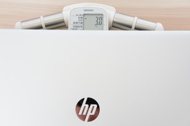 HP ENVY 17-n100 の重さ