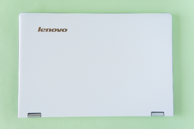 Lenovo YOGA 700 の天板