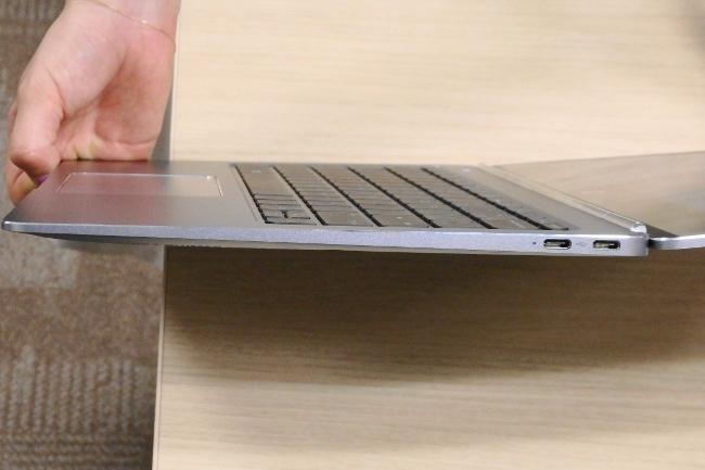 HP EliteBook Folio G1 インターフェース(右側)