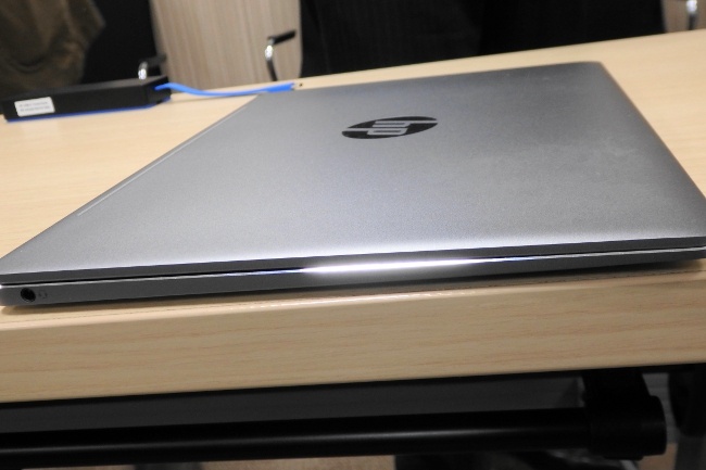 HP EliteBook Folio G1 天板