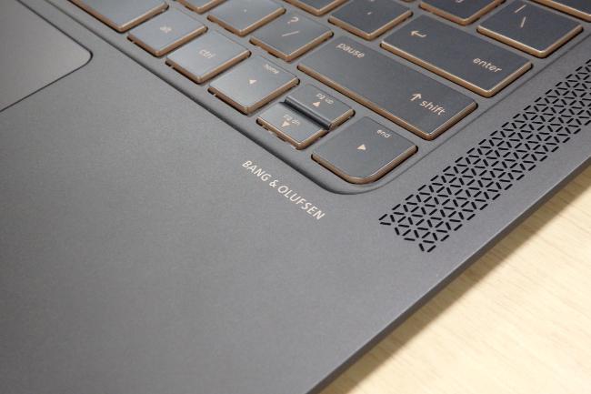 HP Spectre 13-v000 サウンドにはBANG & OLUFSEN を採用