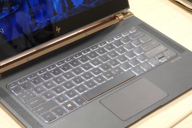 HP Spectre 13-v000 キーボードバックライト