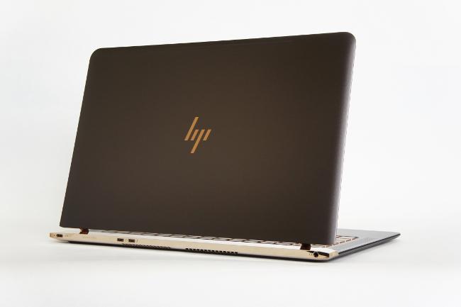 HP Spectre 13 背面側
