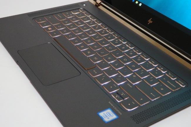 キー操作でキーボードのバックライトが点灯