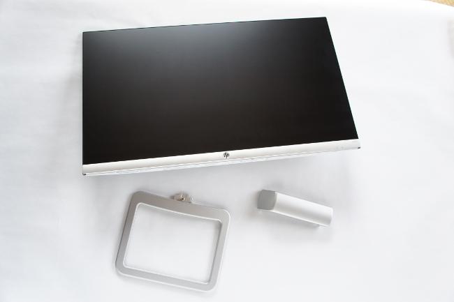 HP 24er モニターのパーツ