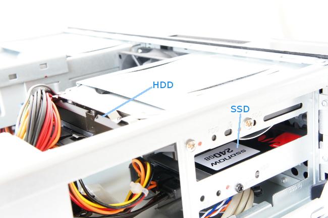 本体内部(SSD、HDD)