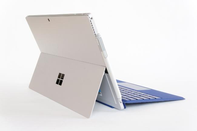 Surface Pro 4 背面側(その1)