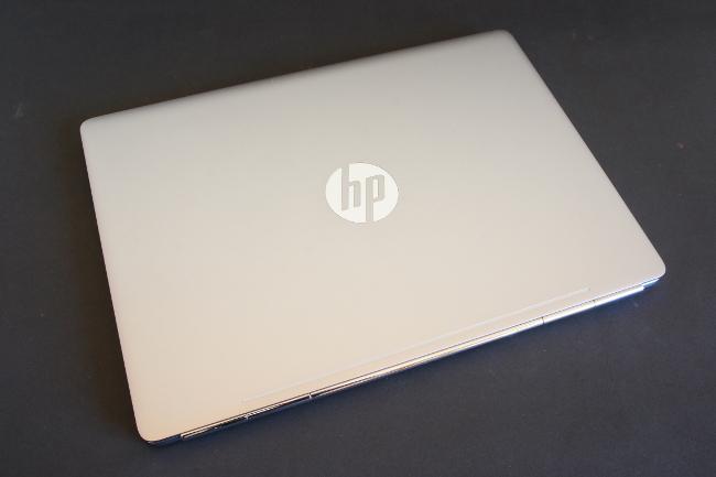 HP EliteBook Folio G1 トップカバー(その1)