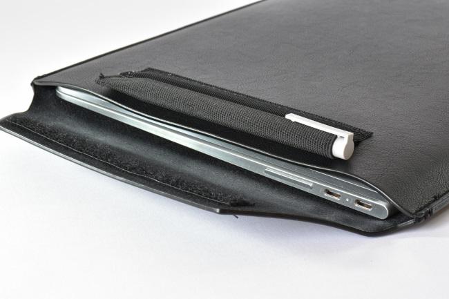 HP Spectre x360 を専用スリーブケースに収納(その2)