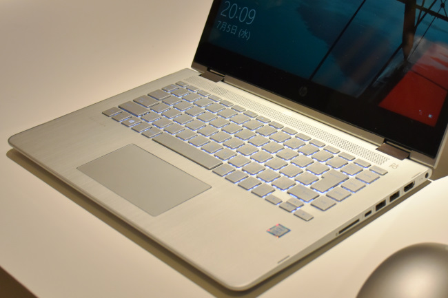 HP Pavilion X360 キーボード面(その1)
