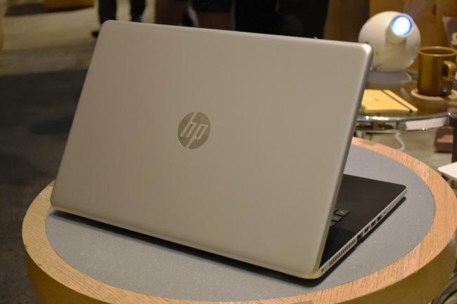 HP 17 背面側
