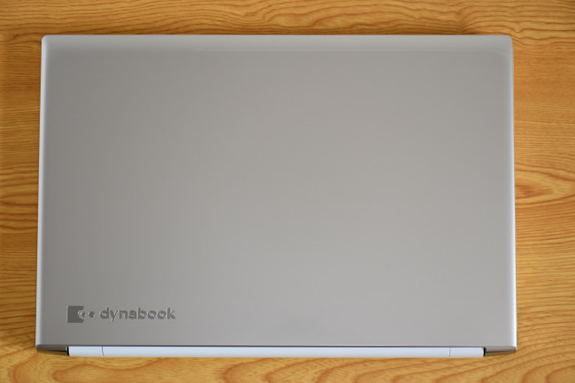 dynabook AZ65/D 天板(その1)