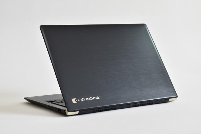 dynabook UZ63/D 背面側(その3)