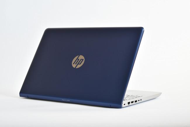 HP Pavilion 15-cc000 背面側(その1)