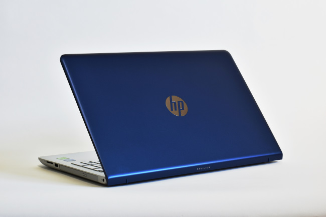 HP Pavilion 15-cc000 背面側(その2)