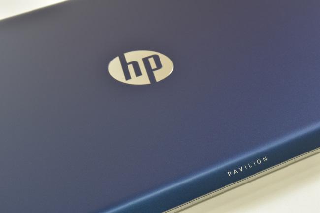 HP Pavilion 15-cc000 天面ロゴ(その1)