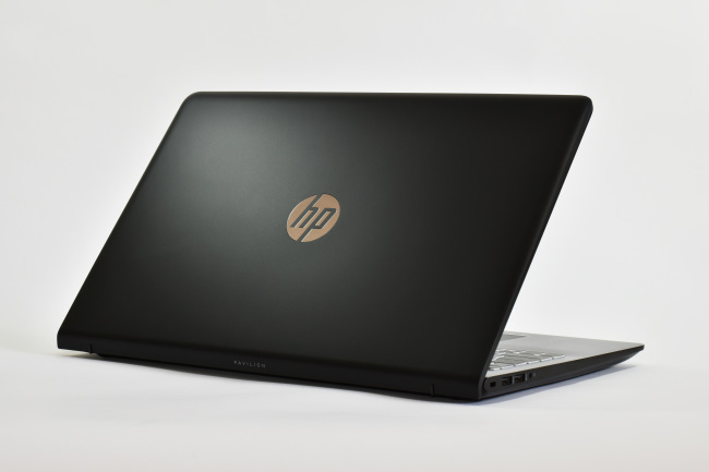 HP Pavilion Power 15-cb000 背面側(その3)