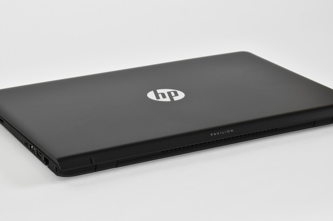 HP Pavilion Power 15-cb000 天面ロゴ(その1)