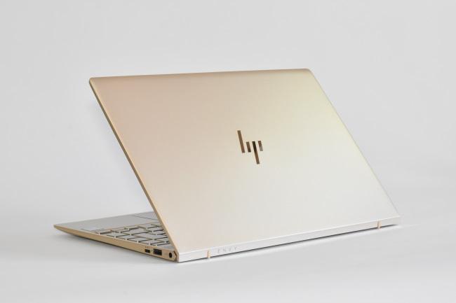 HP ENVY 13-ad000 背面側(その2)
