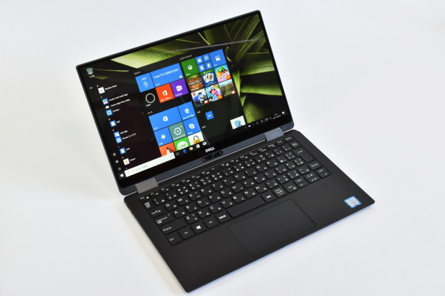 XPS 13 2-in-1 正面(向かって斜め左)