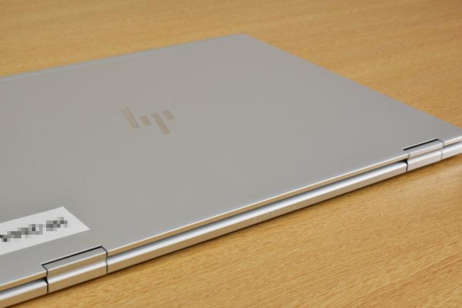 HP EliteBook x360 1030 G2 天面ロゴ(その1)