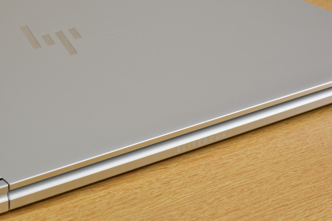 HP EliteBook x360 1030 G2 天面ロゴ(その2)