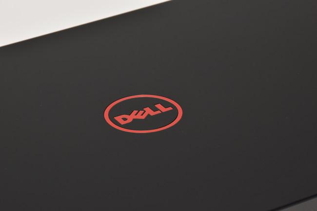 Inspiron 15 7000ゲーミング 天面ロゴ(その1)