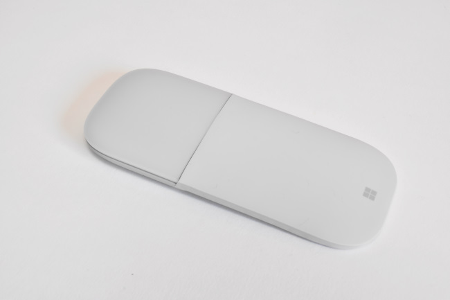 Surface Arc Mouse(使わないときの形状)