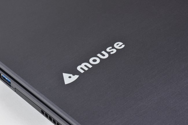 m-Book P500X1-M2SH2 天面ロゴ