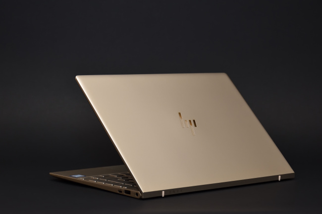 HP ENVY 13-ad100 背面側(その2)