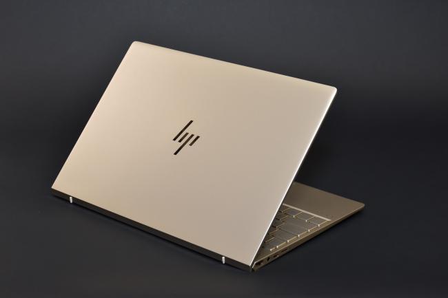 HP ENVY 13-ad100 背面側(その3)