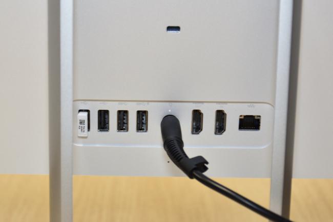 HP Pavilion 27-r000jp インターフェース(背面側)