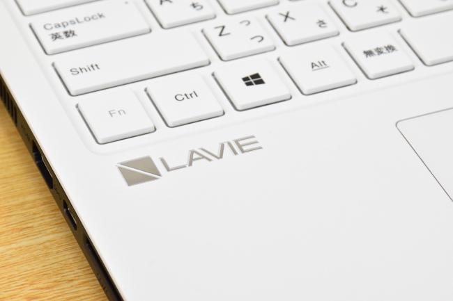 LEVIE ロゴ