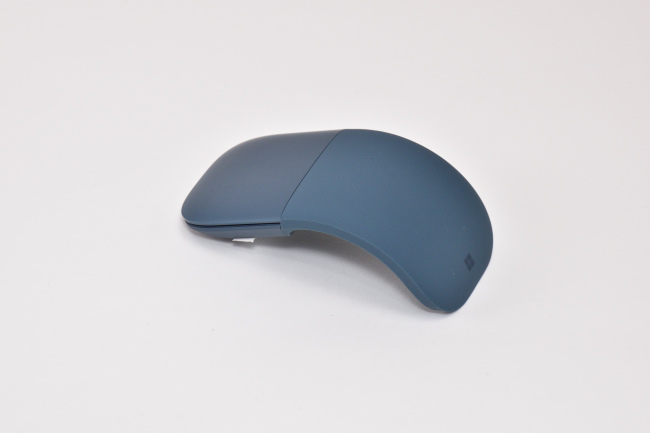 Surface Arc Mouse(使うときの形状)