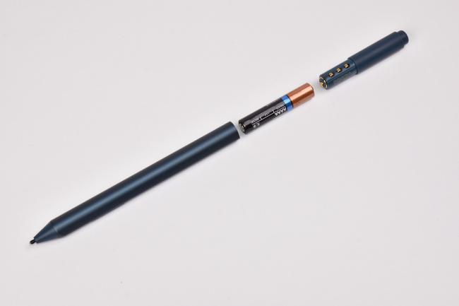 Surface ペンは単6型(AAAA)乾電池