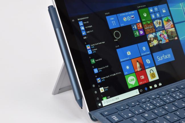 Surface ペンは Surface Pro 本体にくっつけておける