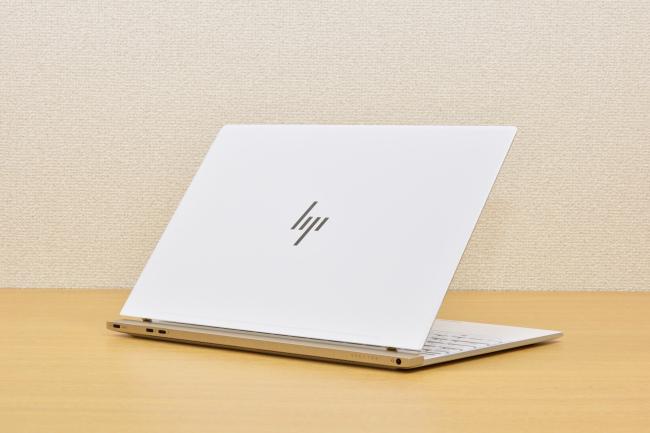 HP Spectre 13 背面側(その1)