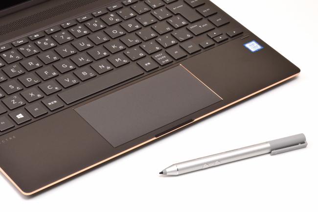 HP Spectre x360 13 本体とアクティブペン
