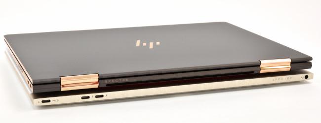 HP Spectre x360 と HP Spectre 13 インターフェース(背面側)