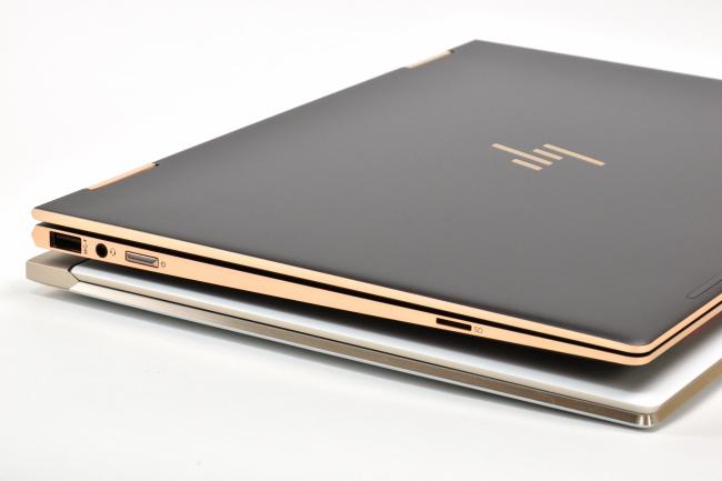 HP Spectre x360 と HP Spectre 13 インターフェース(左側面)