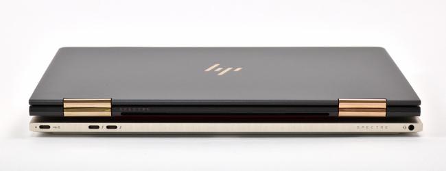 HP Spectre x360 と HP Spectre 13 背面側