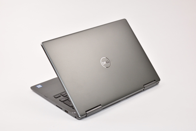 Inspiron 13 7000 2-in-1 背面側(その2)