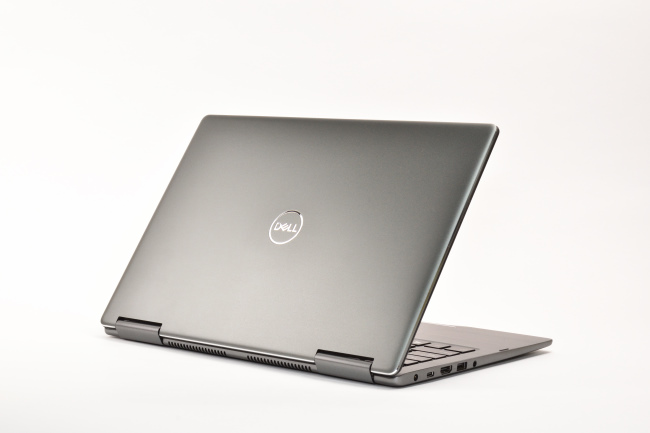 Inspiron 13 7000 2-in-1 背面側(その3)