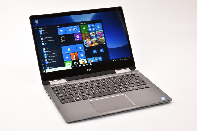 Inspiron 13 7000 2-in-1 正面(向かって斜め左)